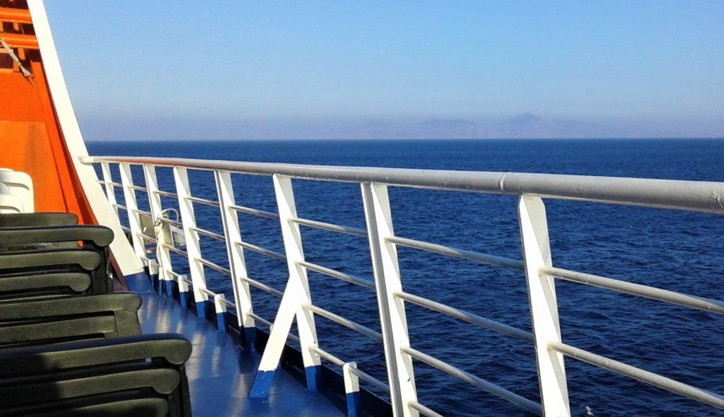 Ferry de Athènes à l'île de Santorin