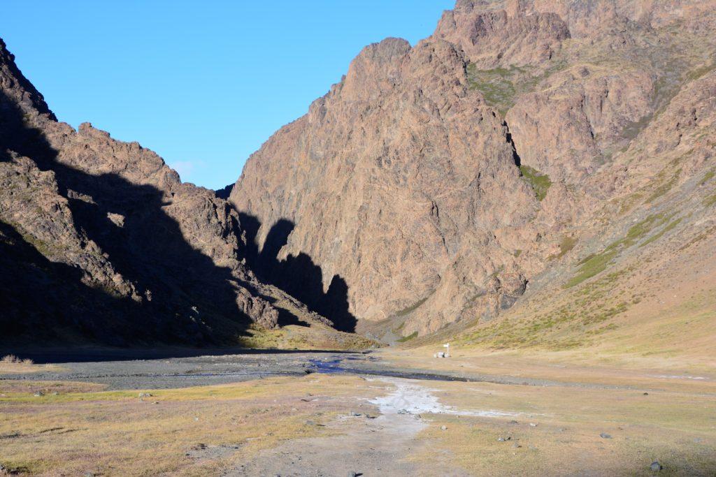 La vallée des aigles dans le désert de Gobi en Mongolie