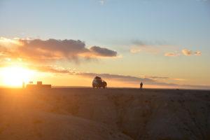 La route pendant notre tour en voiture du désert