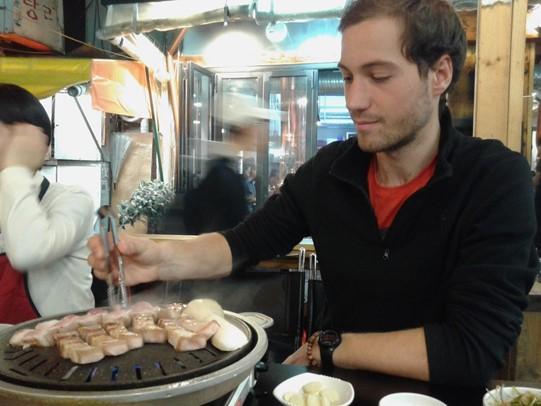 BBQ près du parc Tapgol à Séoul en Corée du Sud